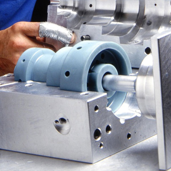 american-manufacturing-molded-parts