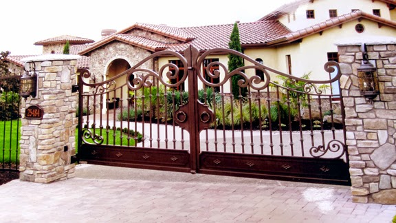 custom-wrought-iron-driveway-gate-hebo-machine-system
