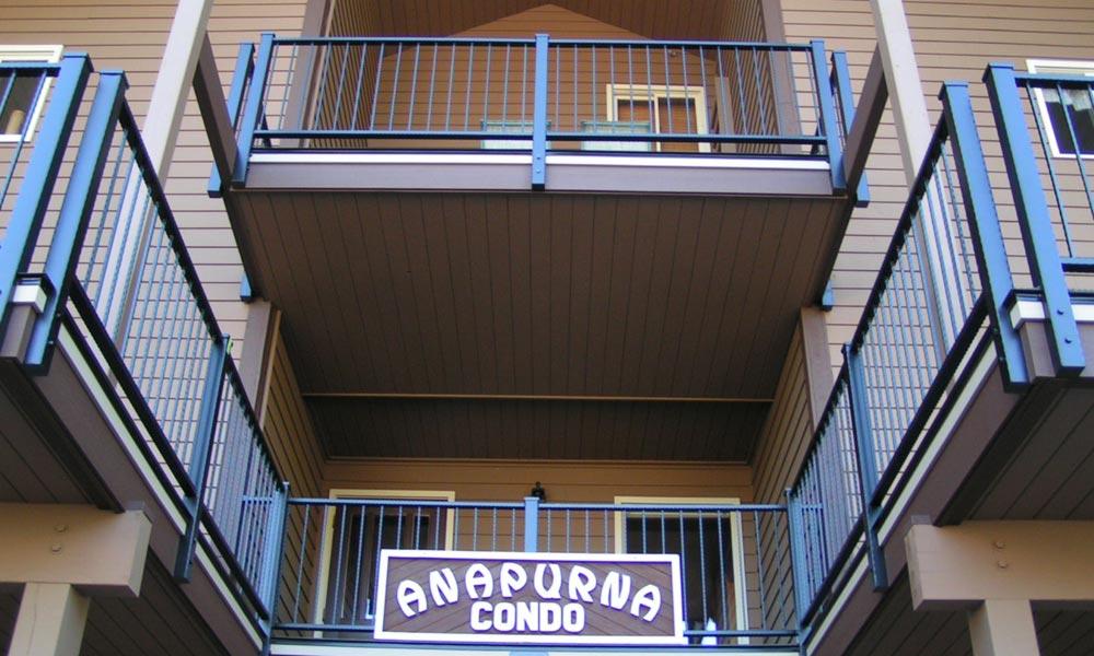 anapurna-condo-railing-whitefish