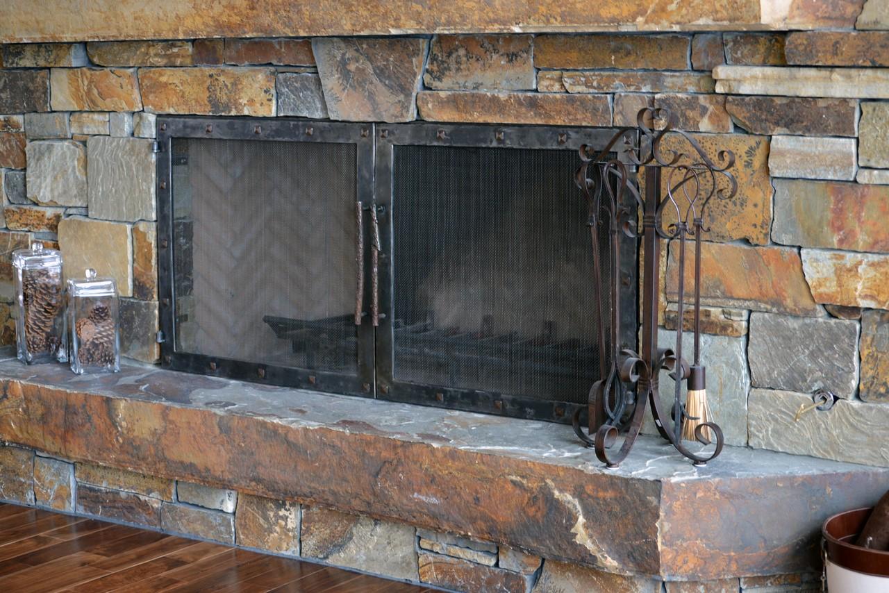 custom-design-ironwork-fireplace-doors-RSZ15