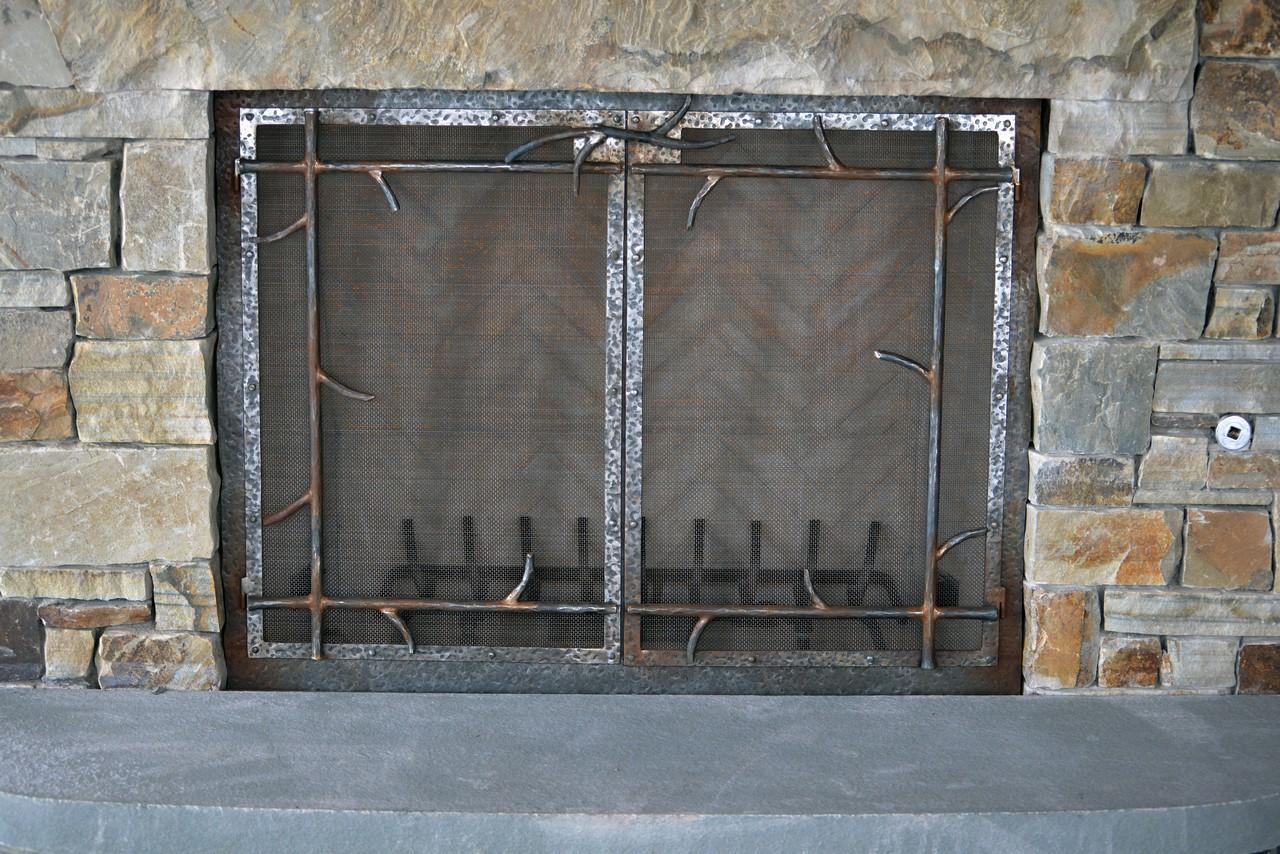 custom-design-ironwork-fireplace-doors-RSZ32