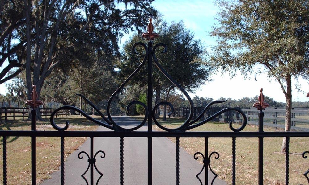 custom-iron-gate-finial