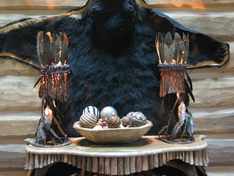 iron-feather-lamps-antler-table