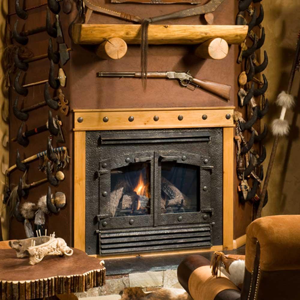 western-den-custom-fireplace