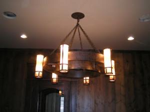 wagon-wheel-chandelier